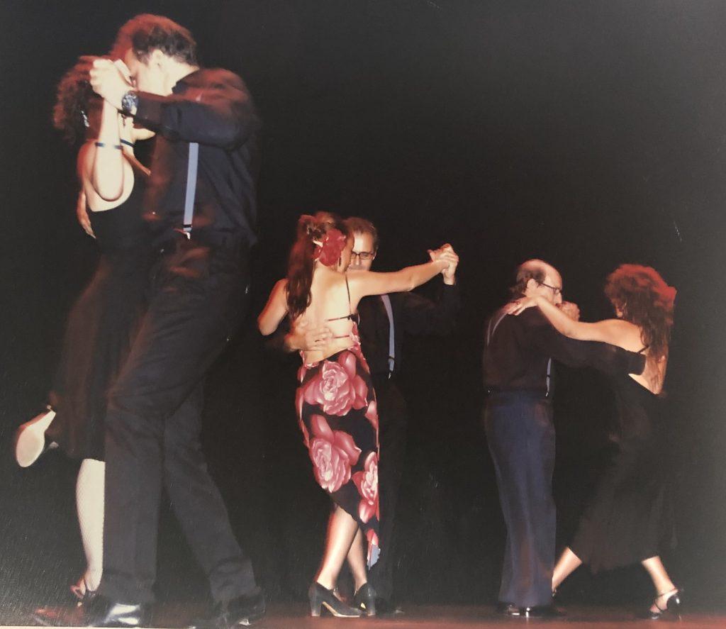 Talleres y cursos intensivos de baile de la escuela de baile Lunares Blancos de Boadilla.